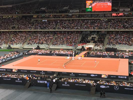 ... und anschliessend noch das Match in Africa, Roger Federer vs Rafael Nadal