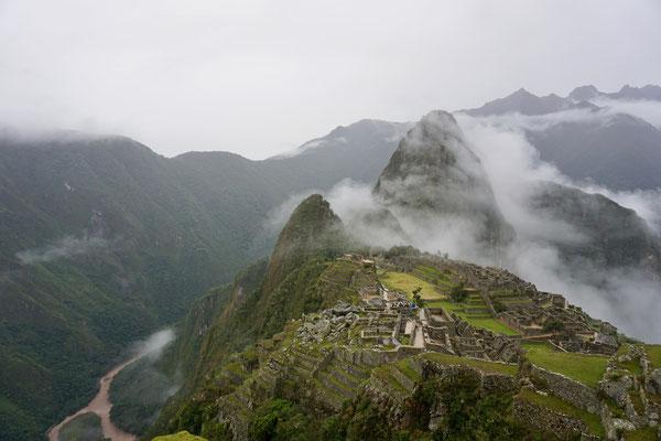 Machu Picchu liegt auf 2430 m und liegt für diese Region des Landes eher tief.
