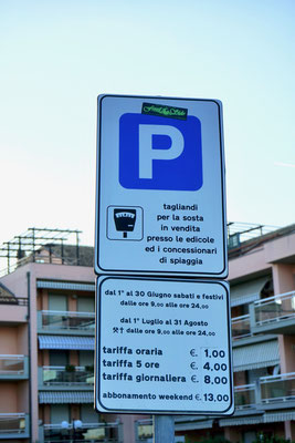Kostenpflichtiger Parkplatz nur vom 1. Juni bis 31. August