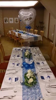 Tischdekoration mit Ballons im Predingerhof bei Weiz