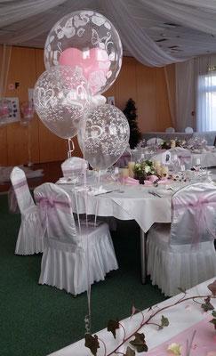 Ballondekoration mit Heliumfüllung für - Eva Schober Weddingplaner - hoch-zeiten.at - Hochzeitsdeko Ballons