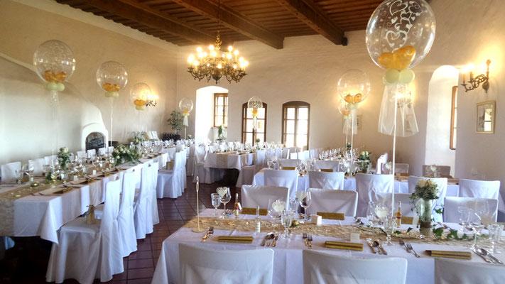 Saaldekoration Burg Güssing - Hochzeitsdeko aus Ballons