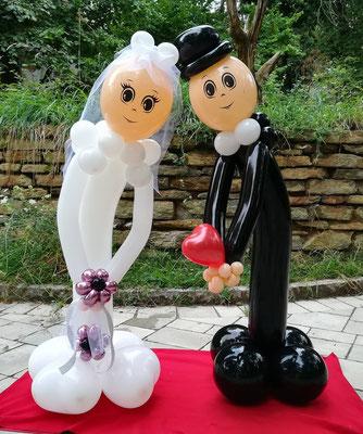 Brautpaar aus Luftballons - Hochzeitsdeko aus Ballons