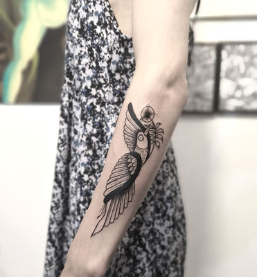 bird arty tattoo