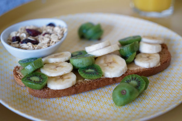 ©Javoy Plantes, Kawaï, recette tartine fruitée (kiwi-banane)
