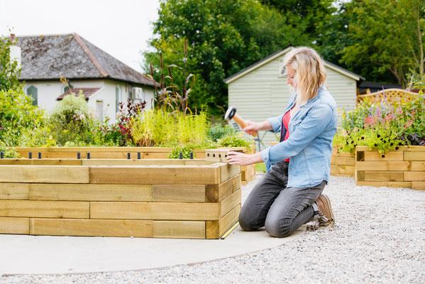 ©WoodBlocx, construction d'une jardinière surélevée simple