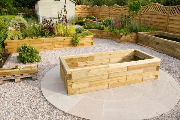 ©WoodBlocX, kit de construction en bois pour jardinière surélevée