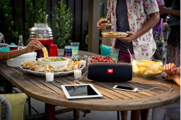 ©JBL - enceinte portable Xtreme -recharge vos smartphones ou tablettes