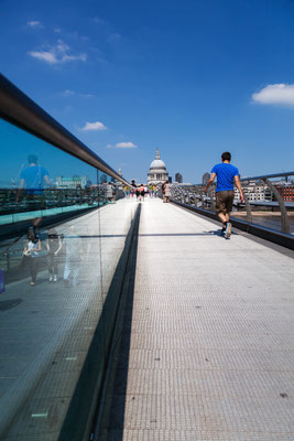 London, Millennium Bridge