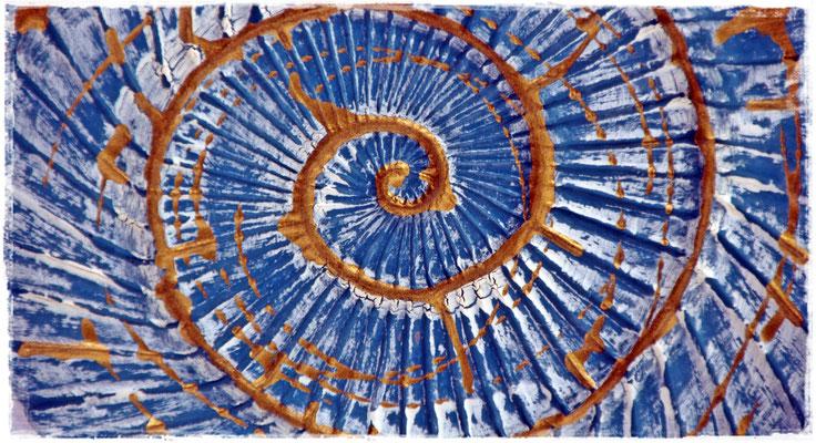 Gold-Blau Schnecke aus Beton