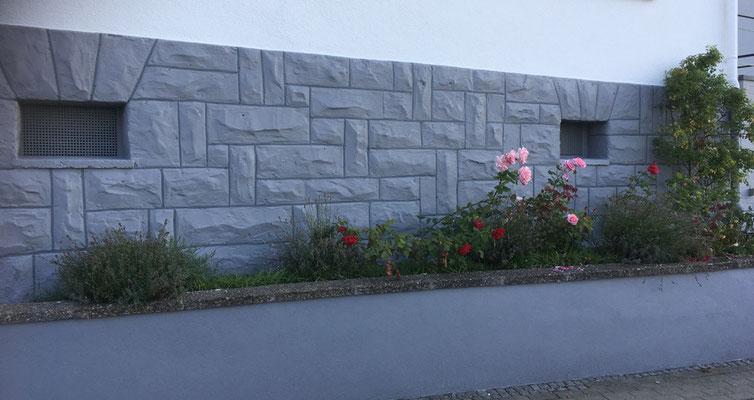 Mauergestaltung Wohnhaus