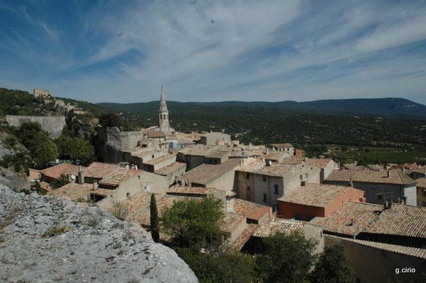St Saturnin les Apt (vue sur le village)