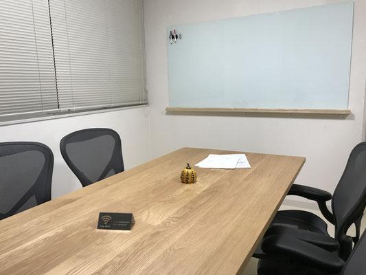 坂本拓真税理士事務所 ミーティングルーム