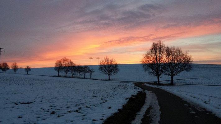 Und der Morgen erwacht... Am Wasserberg in Trossingen am 26.01.2016 um 7:46Uhr