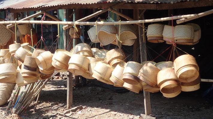 Les paniers en bambou pour cuir le riz