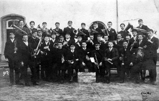 1908-1909 - La société des Fanfares de l'Ecole Normale de Nivelles