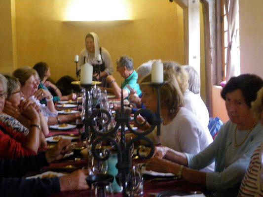 Repas médiéval à l'Auberge du prieuré