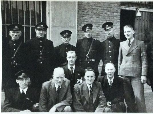 Foto B - Syberen Johan van der Meulen vierde van links