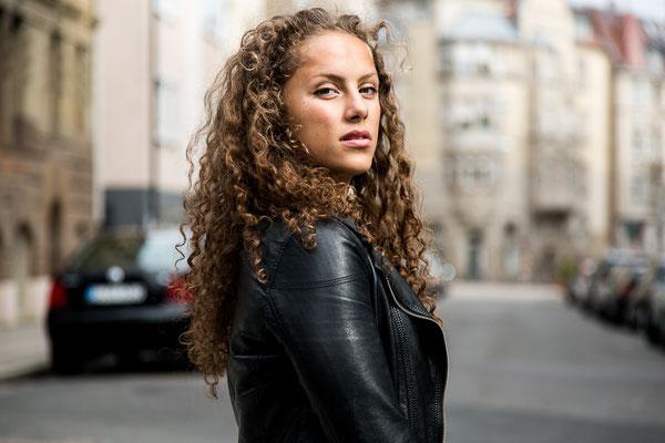 Portraitshooting // Aischa Ibrahim // Stuttgart // Ⓒ sarahstangefotografie