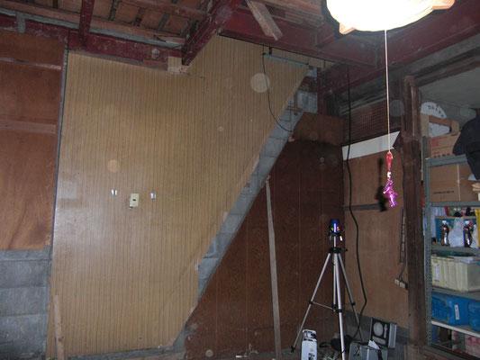 既存の階段を撤去したところ(階段はもう一箇所あります)