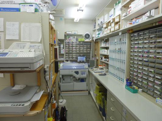 神聖な調剤室です!!