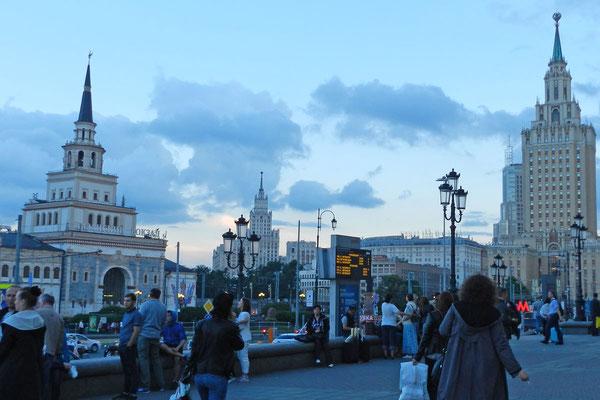 Abendstimmung am Platz der drei Bahnhöfe