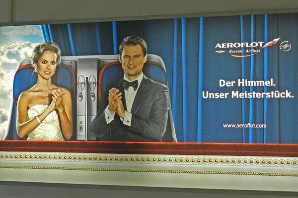 Aeroflot-Werbung in Berlin-Schönefeld