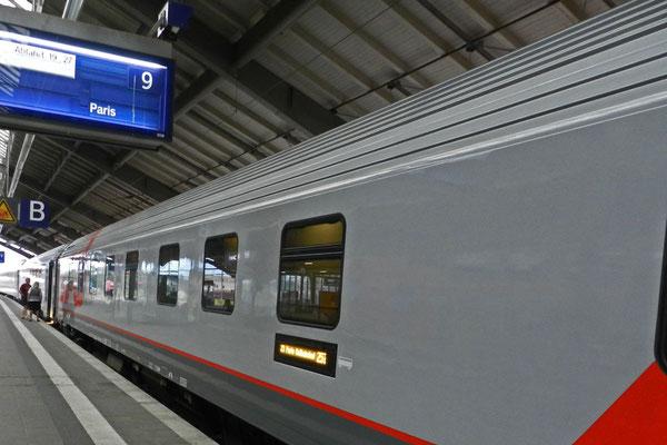 Der Moskau-Paris-Express am Bahnhof Frankfurt/Oder
