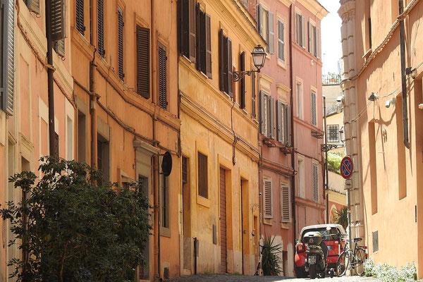 Blick in eine Seitengasse an der Via Panisperna