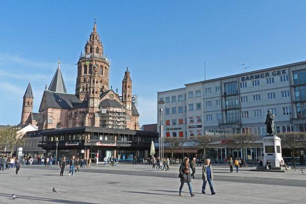 Площадь Гутенберга и Майнцский собор