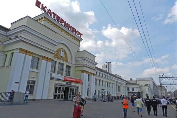 Die Millionenstadt Jekaterinburg hat einen imposanten Bahnhof