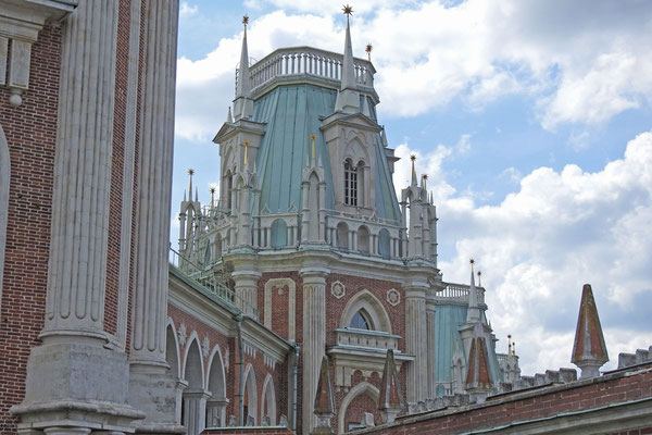 Erst 2007 fertiggebaut - der Große Palast in Zarizyno