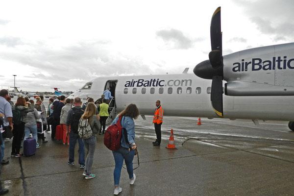 Посадка на самолет airBaltic в Гамбурге