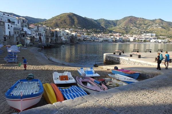 Am alten Fischerhafen von Cefalù