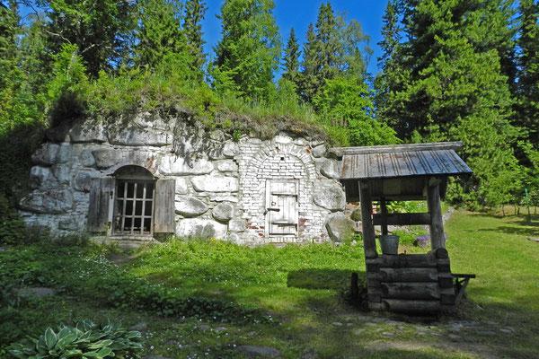 Alter Brunnen im Botanischen Garten der Solowki