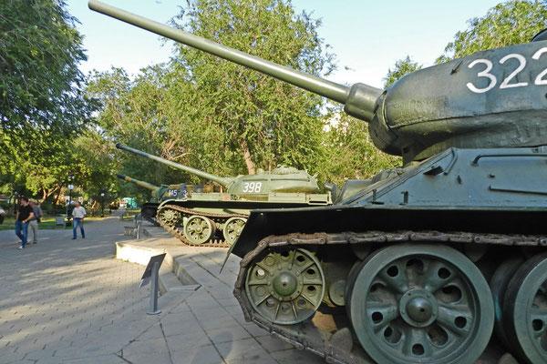 Jede Menge Panzer erinnern an den sowjetischen Sieg.