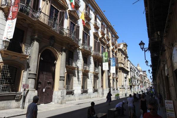 An der zentralen Via Maqueda
