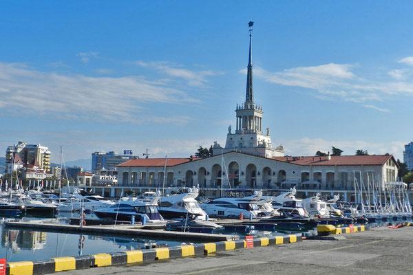 Der Meeresbahnhof von Sotschi