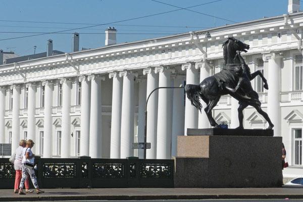 Auch das Petersburger Puppentheater ist in einem Palast untergebracht.