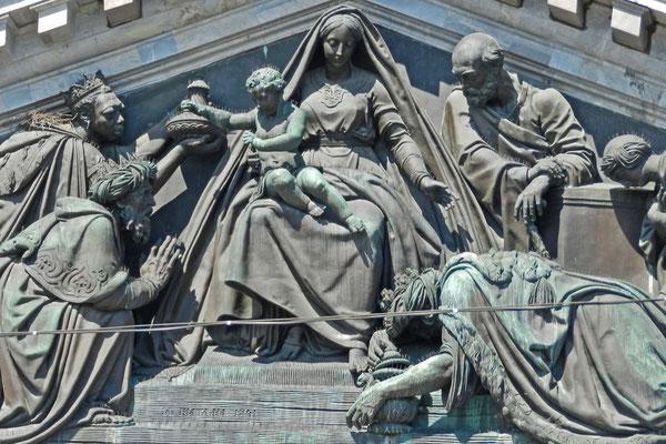 Relief mit der Heiligen Familie und den Weisen aus dem Morgenland