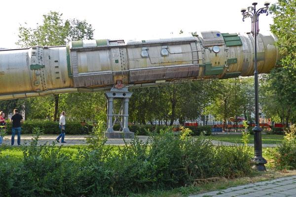Makaberes Ausstellungsstück im Stadtpark: Eine atomare Interkontinentalrakete