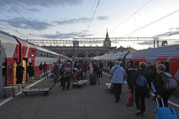 Ankunft am Kasaner Bahnhof in Moskau