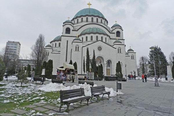 Eine der größten orthodoxen Kirchen der Welt - Sveti Sava in Belgrad