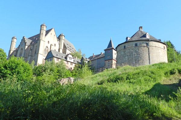 Замок с северной стороны.