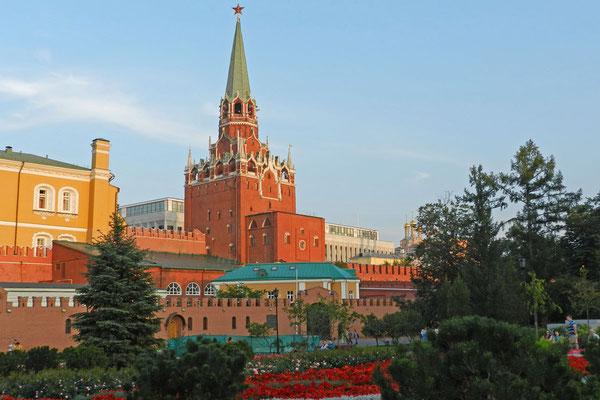 Durch den Dreifaltigkeits-Turm gelangen alle Touristen in den Kreml.