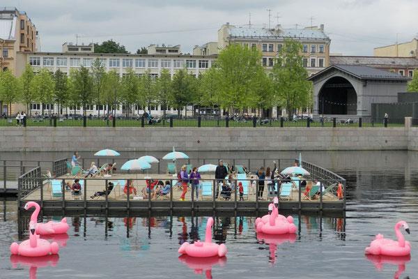 Hafenbecken mit Mini-Strand