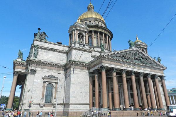 Die Isaakskathedrale ist eine der größten Kirchen der Welt.