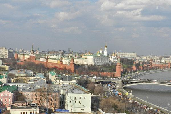 Von der Christ-Erlöser-Kirche aus ist fast der komplette Kreml zu sehen.