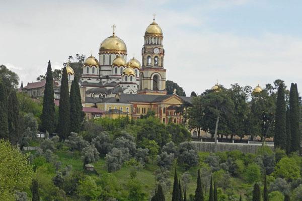 Blick auf das Kloster von Nowy Afon (Foto: Kalinin)