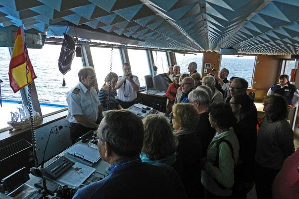 Zu Besuch auf der Brücke der MS Iwan Bunin